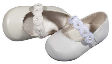 Ballerina shoes with a single strap decorated in flowers and pearls in white or ivory