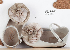 Ivory leather ballerina shoes with lace and taffeta detail