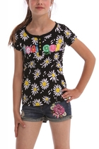 Baena black short sleeve Tshirt with white daisies